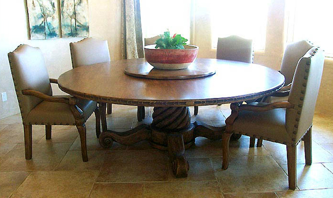 Old world style dining sets tables chairs buffets for Dining room set up